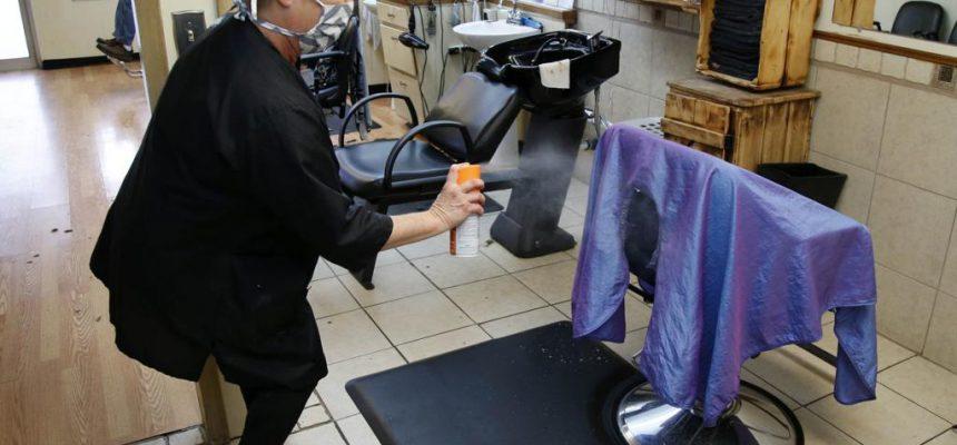 Munnbind bør innføres på frisørsalonger